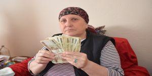 Yıllar önce sakladığı paraları bulduğuna sevinemedi