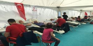 Kan Bağışı Festivalinde Vatandaşlar Kan Vermek İçin Seferber Oldu