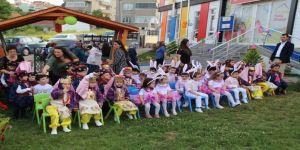 Minikler Aileleriyle Doyasıya Eğlendiler