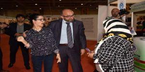 Başkan Üzülmez, Erdoğan'ın Resmini Çizen Gülşah'ın Sergisini Ziyaret Etti