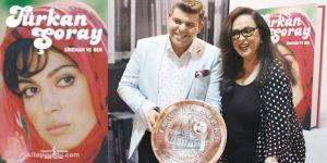 İş Adamı Halil Eryavuz'dan Türkan Şoray'a özel hediye
