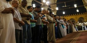 Mısır'da teravih yasağı