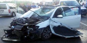 Cenaze Dönüşü Kaza: 1 Ölü, 4 Yaralı