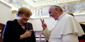 Vatikan'ın yeni gözdesi Merkel