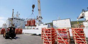 Katar'a gemiyle ilk gıda sevkiyatı