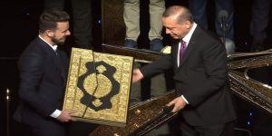 Bursalı Hafız, Ödülünü Cumhurbaşkanı'ndan Aldı