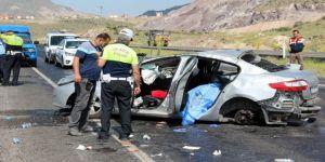 Feci kaza: 2 ölü 3 ağır yaralı