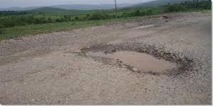 Bozüyük'te Köy Yolları Bakımsızlıktan Dökülüyor