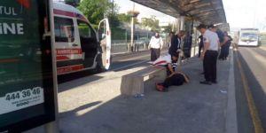 Bonzai İçen Genç Metrobüs Seferlerini Aksattı