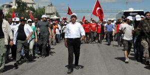 CHP yürüyüşü trafiği kilitledi!