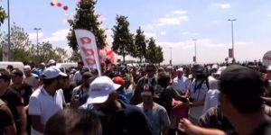 'Adalet Yürüyüşü'ne Balonlu Karşılama