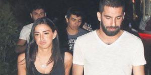 Arda Turan'ın sevgilisi sosyal medyada meydan okudu!