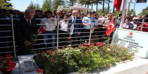 Kahraman Şehit Ömer Halisdemir'in Mezarına Ziyaret
