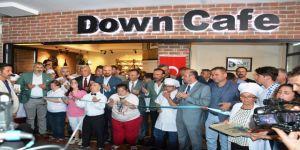 Down Kafe'yi Bilal Erdoğan Açtı