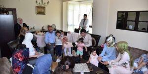 Başkan Üzülmez Şehit Ailelerini Ziyaret Etti
