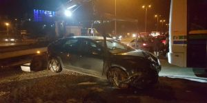 Halk Otobüsü Otomobille Çarpıştı: 2 Yaralı