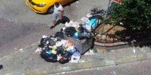 Şehrin göbeğinde çöp rezaleti!