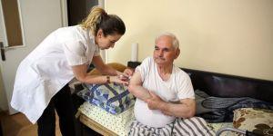 İhtiyaç Sahibi Hastalara Evlerinde Hemşirelik Hizmeti