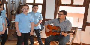 Süleymanpaşa'nın Çocukları Tatillerini Müzik Öğrenerek Geçiriyor