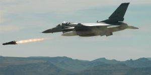 Savaş uçakları PKK'yı vurdu