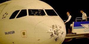 Fırtınaya uçakta yakalandılar!