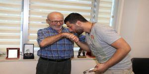 Yaşlı Adam Bulduğu 20 Bin Tl'yi Sahibine Teslim Etti