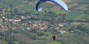Paraşütçülerden Renkli Festival