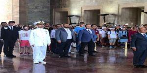 Trabzonspor'dan Anıtkabir'i Ve 15 Temmuz Şehitler Anıtı'nı Ziyareti