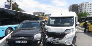 Kadıköy'de 8 araç birbirine girdi!