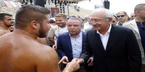 Chp Lideri Kılıçdaroğlu Er Meydanında