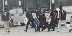 Adliye önünde basın açıklamasına polis müdahalesi