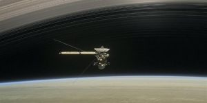 Cassini, Satürn'e en yakın geçişini yaptı