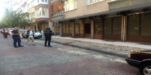 Sokakta Kuyumcuyu Vurup 8 Kilo Altını Çaldılar