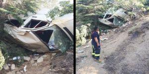 Minibüs Şarampole Yuvarlandı: 1 Ölü, 15 Yaralı