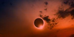Son 10 yılın en önemli Güneş tutulması başlıyor ! Güneş tutulmasını canlı izle