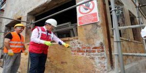 Hasanpaşa Gazhanesi'ndei Restorasyon Çalışmalarını İnceledi