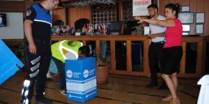 Büyükçekmece'de İşyerlerine Geri Dönüşüm Kutuları Yerleştiriliyor