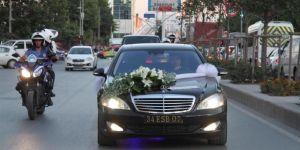 Ömer Halisdemir'in Yeğenine Makam Arabası Jesti