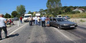 Minibüs Otomobile Çarptı: 2 Yaralı