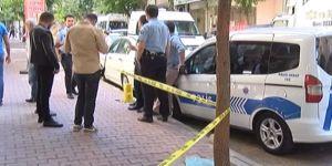 Bayram Günü Dehşet: Karısını Bıçaklayarak Öldürdü