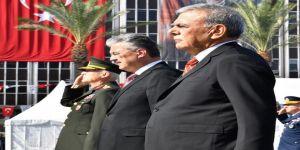 İzmir'in Kurtuluş Yıl Dönümü Törenlerle Kutlanıyor