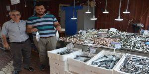 Balıklar Tezgahları Doldurdu