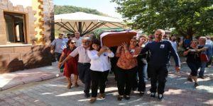 Hatun Tuğluk'un Cenazesi Defnedildi