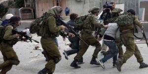 İsrail askerleri 9 Filistinliyi gözaltına aldı!