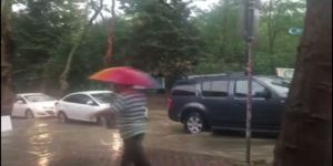 Sarıyer'de Yağmur Etkili Oluyor