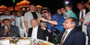 Sünnet Düğününe Katılan Kılıçdaroğlu'na Jest