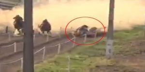 At Yarışında Feci Kaza Kamerada