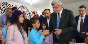 Bilgievlerinde İlk Ders Başkan Karaosmanoğlu'ndan