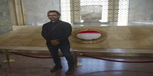 Bollywood Yıldızı Khan Anıtkabir'de