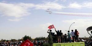 Türk Yıldızları Ve Solo Türk'ten Nefes Kesen Gösteri